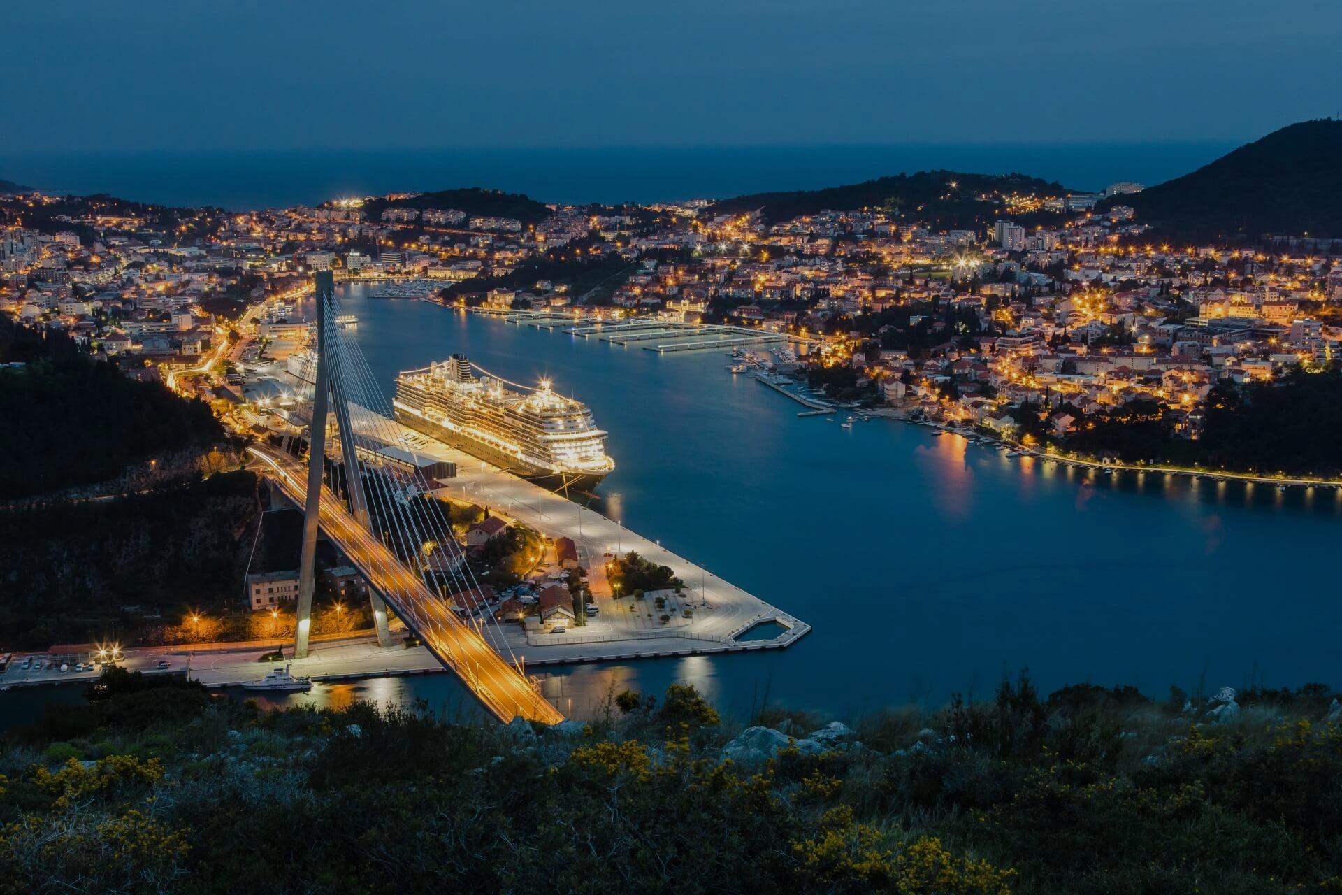 port gruz at night